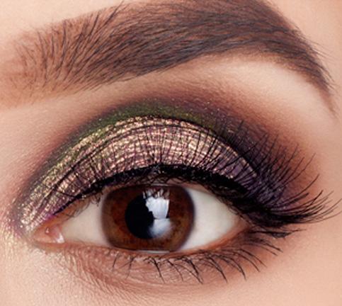 Airbrush eye makeup