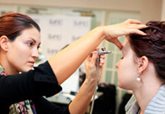 Airbrush Makeup Classes - Dinair Workshop with Hands on